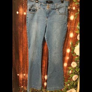 Torrid light wash flare jeans size 18T - tall